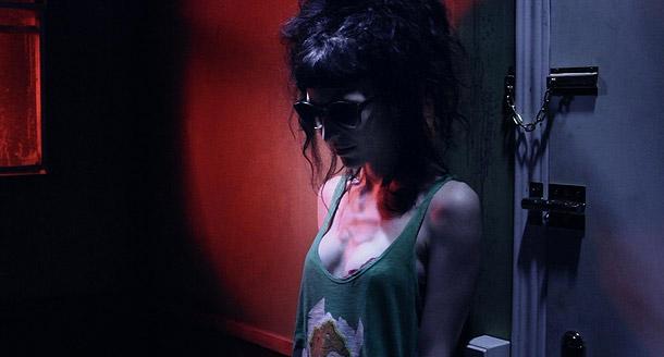 soy un yonki sara g sexxxyblood 09