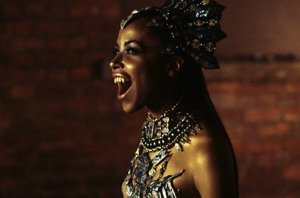 soy un yonki Aaliyah Dana Haughton akasha 06