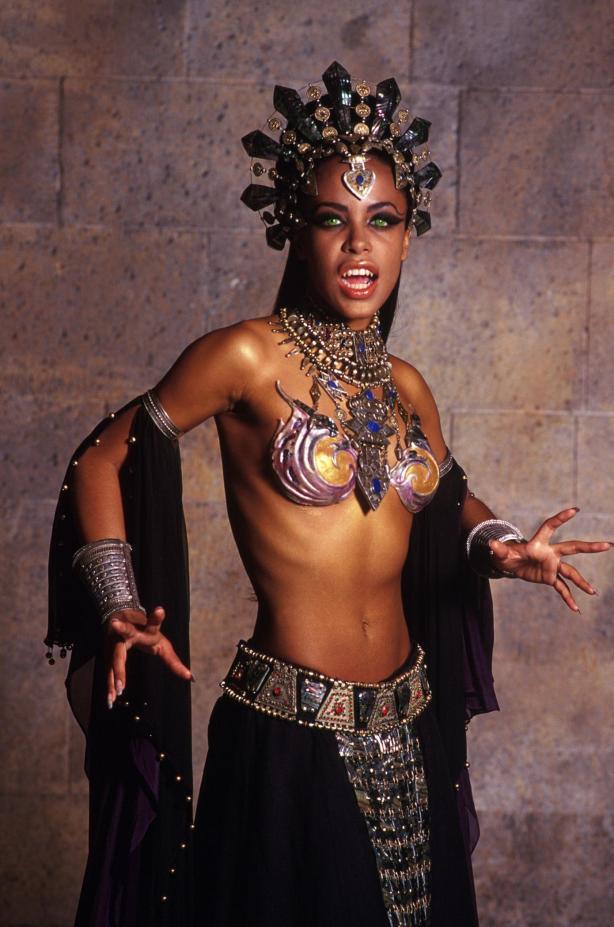 soy un yonki Aaliyah Dana Haughton akasha 11